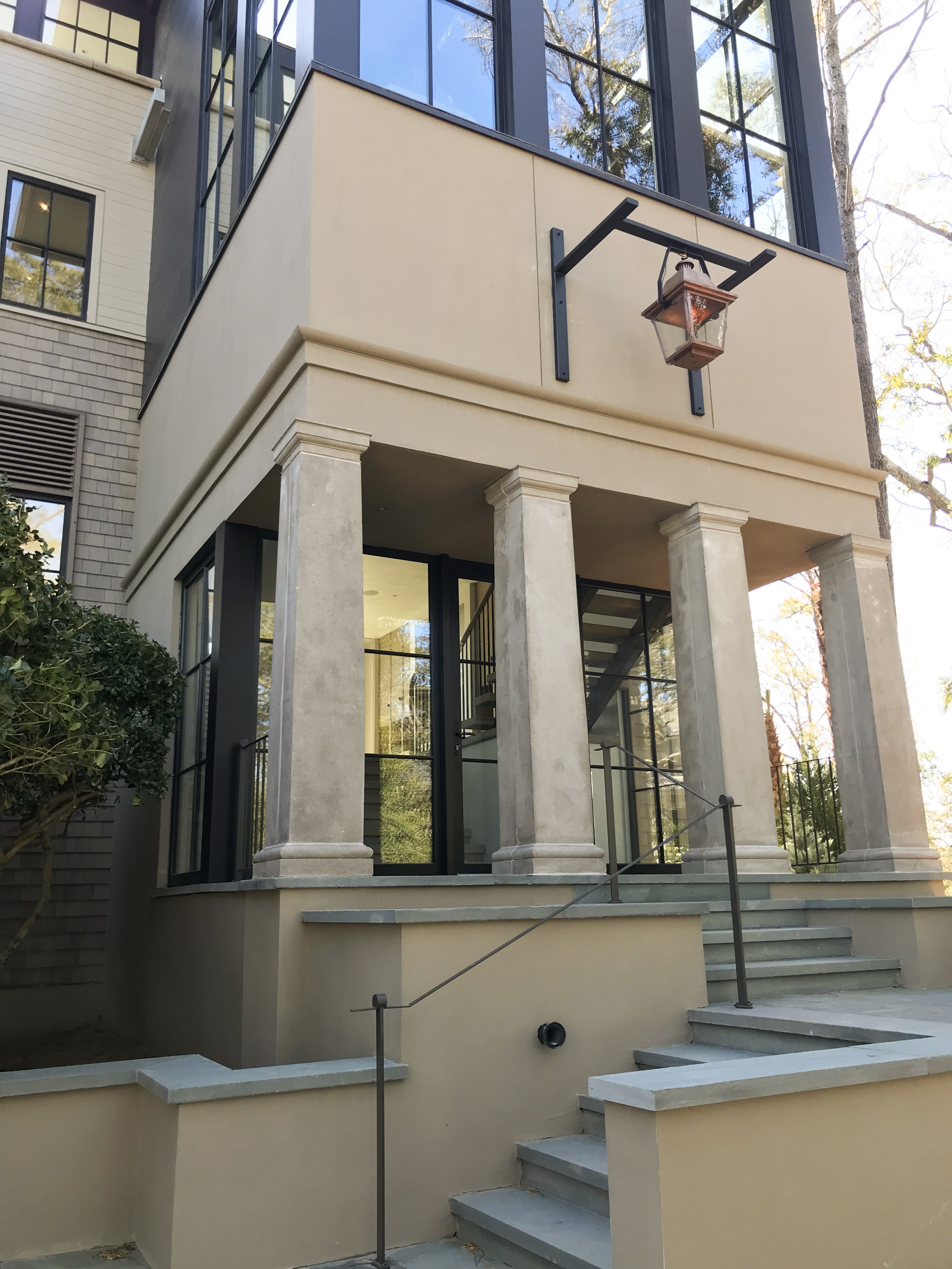 7. Lowcountry Front Entry_OTB-min
